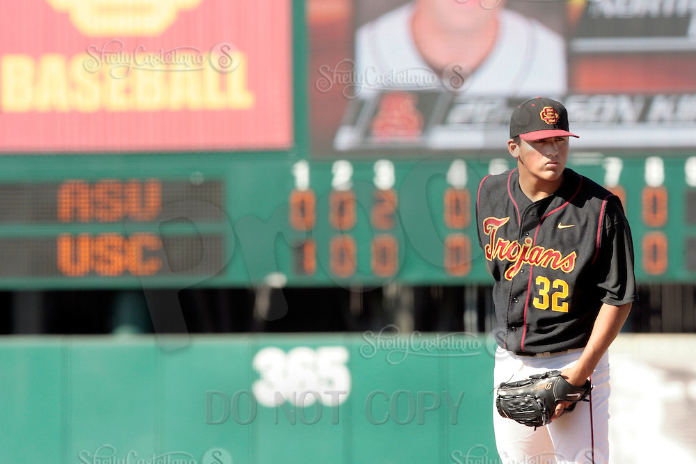 28 March 2009: Pitcher #32 Ryan Cabral of the USC Trojans Baseball team during a 10-1 loss to Arizona State Sun Devils at Dedeaux Field in Los Angeles.