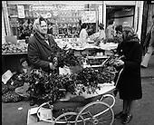 1975 - Moore Street , Dublin.    (J97)