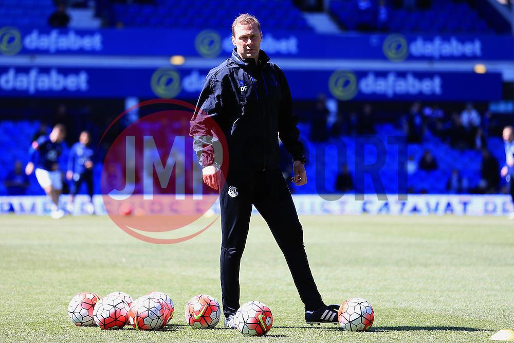 Everton coach Duncan Ferguson coaches the warm up - Mandatory byline: Matt McNulty/JMP - 15/05/2016 - FOOTBALL - Goodison Park - Liverpool, England - Everton v Norwich City - Barclays Premier League