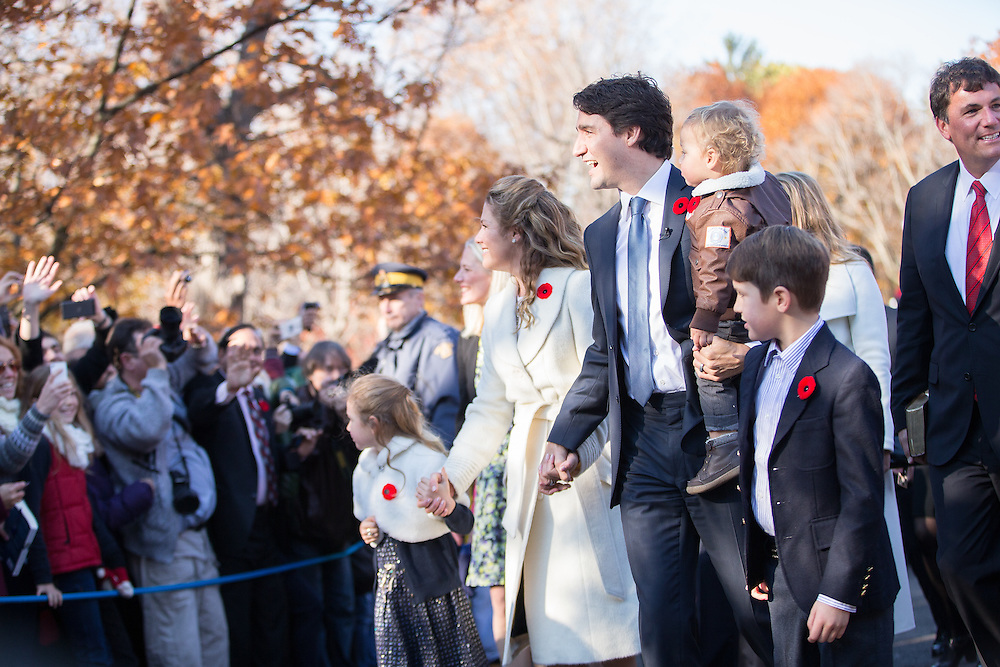 Prime Minister designate Justin Trudeau arrives at Rideau Hall with his family to be sworn in as the 23rd Prime Minister of Canadian in Ottawa, Ontario, November 4, 2015.<br /> AFP PHOTO/ GEOFF ROBINS