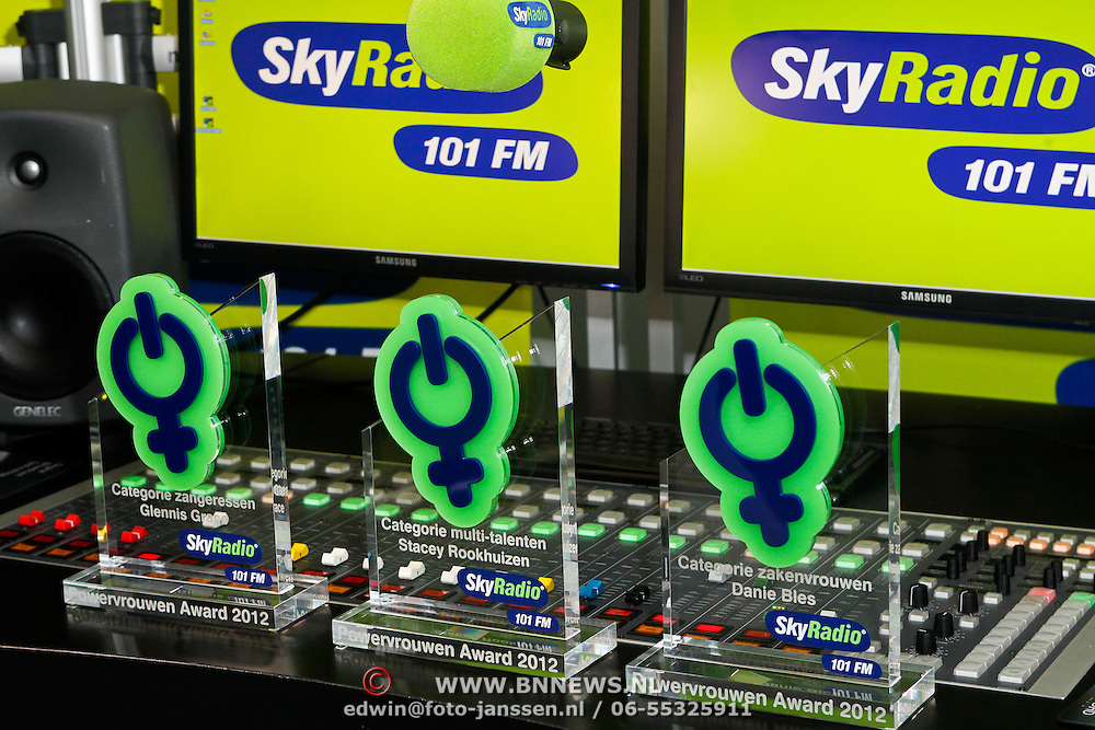 NLD/Naarden/20120307 - Uitriking Sky Radio Powervouwen Awards 2012, de awards