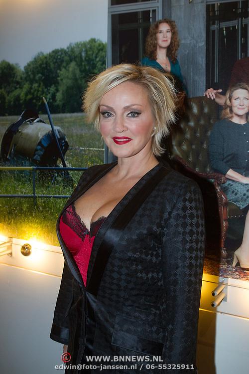 NLD/Hilversum/20131125 - Inloop Musical Awards Gala 2013, Lone van Roosendaal