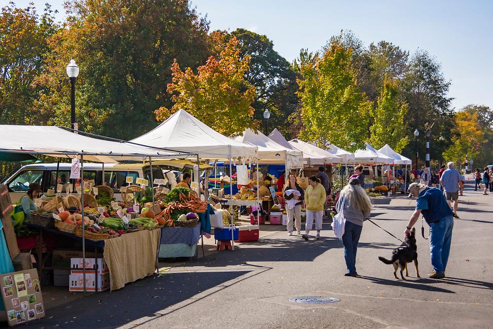 Farmer's Market at Riverfront Park, Corvallis, Oregon.