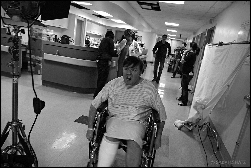 """Ricky Gervais on the set of """"Ghost Town"""" (Dir: David Koepp, 2008)"""