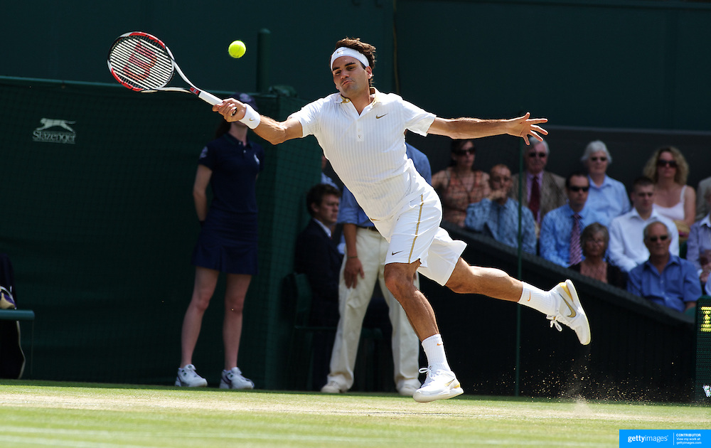 Roger Federer, Switzerland, in action against Ivo Karlovic, Croatia,  during the Men's Singles Quarter Final Match at the All England Lawn Tennis Championships at Wimbledon, London, England on Wednesday, July 01, 2009. Photo Tim Clayton.