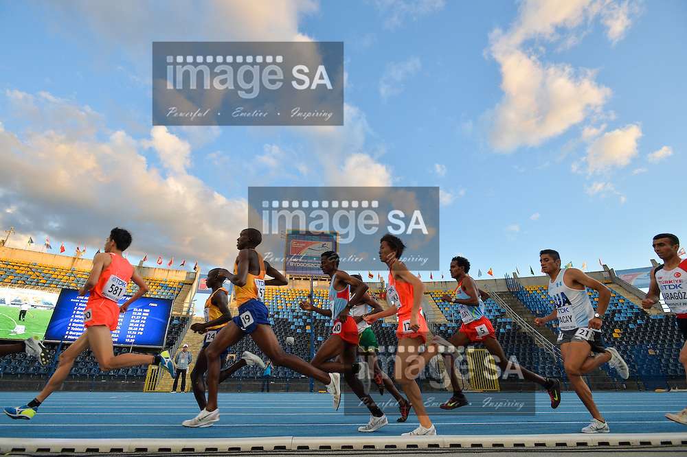BYDGOSZCZ, POLAND - JULY 19: athletes in the mens 10000m final during the afternoon session on day 1 of the IAAF World Junior Championships at Zawisza Stadium on July 19, 2016 in Bydgoszcz, Poland. (Photo by Roger Sedres/Gallo Images)