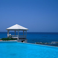 Gazebo, swimming pool, Villa Rainbow, Stella Maris Resort, Long Island, Bahamas