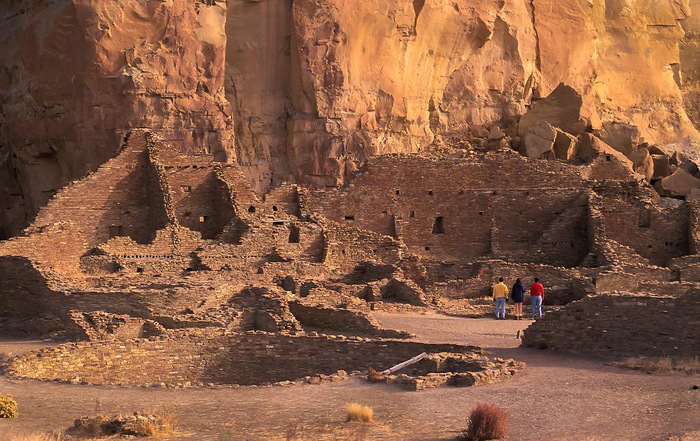 Visitors at Pueblo Bonito, Chaco Culture National Historical Park, New Mexico.