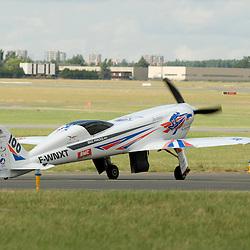 Big Frog, un grand d&eacute;fi fran&ccedil;ais, sportif technologique et environnemental. 75 ans apr&egrave;s l'exploit de Michel D&eacute;troyat, 4 fran&ccedil;ais d&eacute;cident de relever le d&eacute;fi et constituent la Big Frog Team pour gagner les Reno Air Race, la course la plus rapide du monde, en septembre 2011.<br /> juin 2011 / Le Bourget / Seine-Saint-Denis (93) / FRANCE<br /> Cliquez ci-dessous pour voir le reportage complet (71 photos) en acc&egrave;s r&eacute;serv&eacute;<br /> http://sandrachenugodefroy.photoshelter.com/gallery/2011-06-Big-Frog-Pylon-Racing-Team-au-Salon-du-Bourget-Complet/G0000Lo3wz86gA1U/C0000yuz5WpdBLSQ
