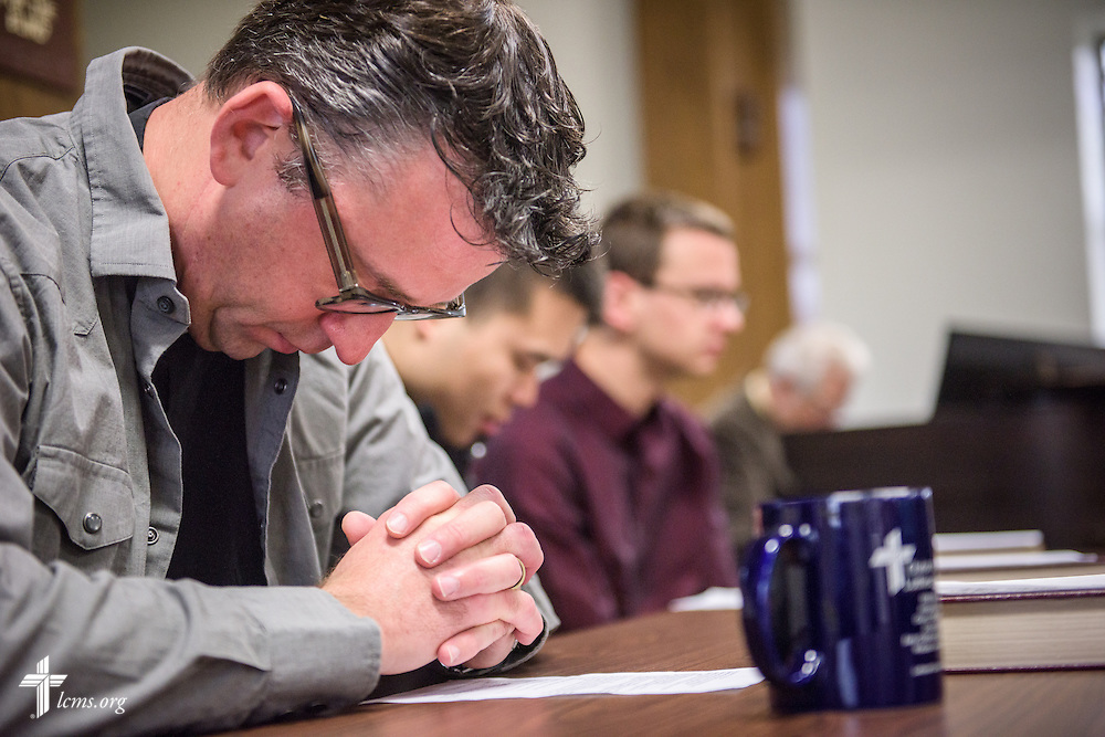 The Rev. Eric R. Andræ prays before worship at First Trinity Evangelical–Lutheran Church on Sunday, Nov. 20, 2016, in Pittsburgh. LCMS Communications/Erik M. Lunsford