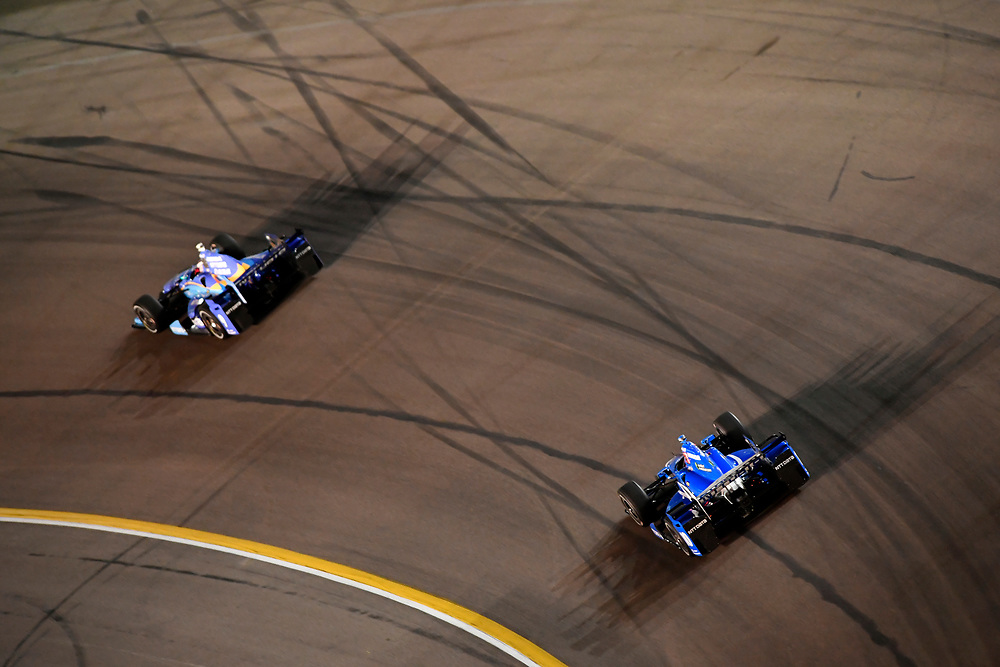 Verizon IndyCar Series<br /> Desert Diamond West Valley Phoenix Grand Prix<br /> Phoenix Raceway, Avondale, AZ USA<br /> Saturday 29 April 2017<br /> Scott Dixon, Chip Ganassi Racing Teams Honda, Tony Kanaan, Chip Ganassi Racing Teams Honda<br /> World Copyright: Scott R LePage<br /> LAT Images<br /> ref: Digital Image lepage-170429-phx-4225