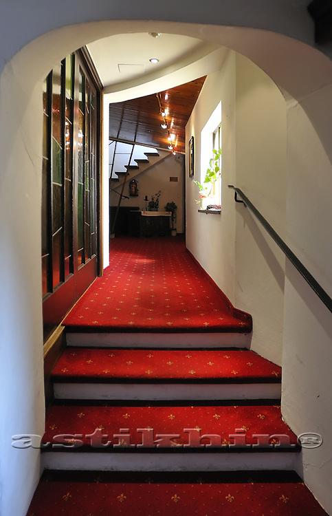 Steps in Hotel Munde