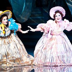 Teatro dell'Opera Nazionale Taras Shevchenko. Cenerentola di Giacomo Puccini. Svetlana Godlevskaya e Oksana Tereshenko