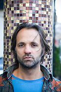 OSLO 20081105; Ulrik Imtiaz Rolfsen, filmskaper, er intervjuet av Etterlyst. .FOTO: TOM HANSEN