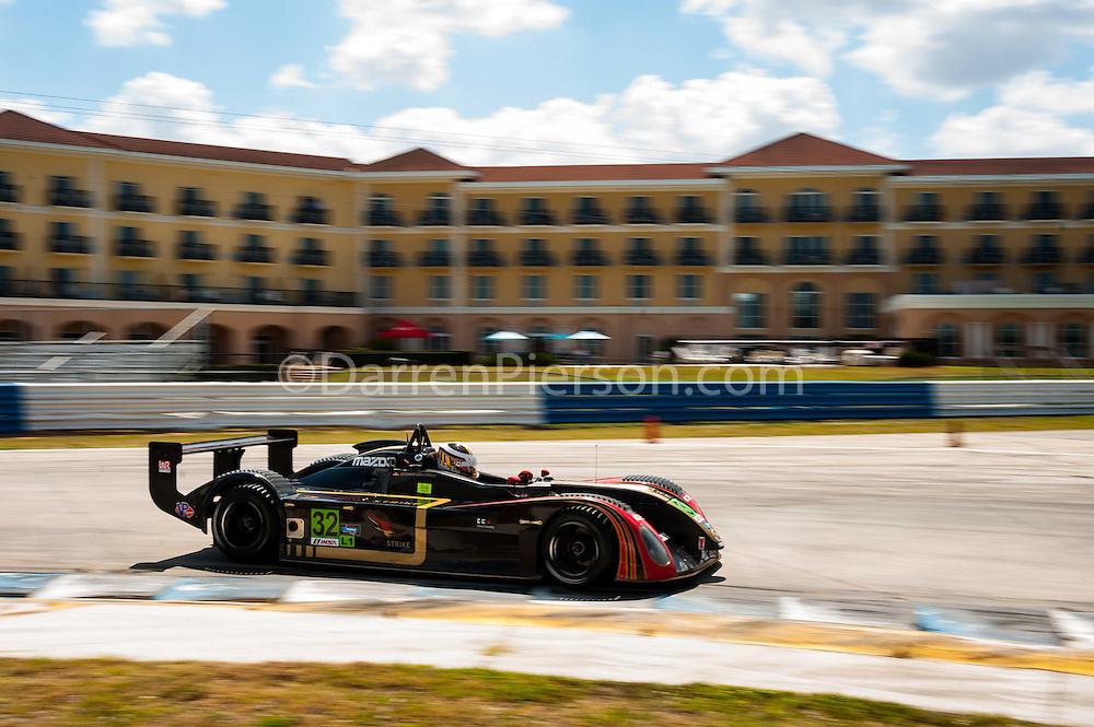 #32 ONE Motorsports Elan DP-02: Gerhard Watzinger
