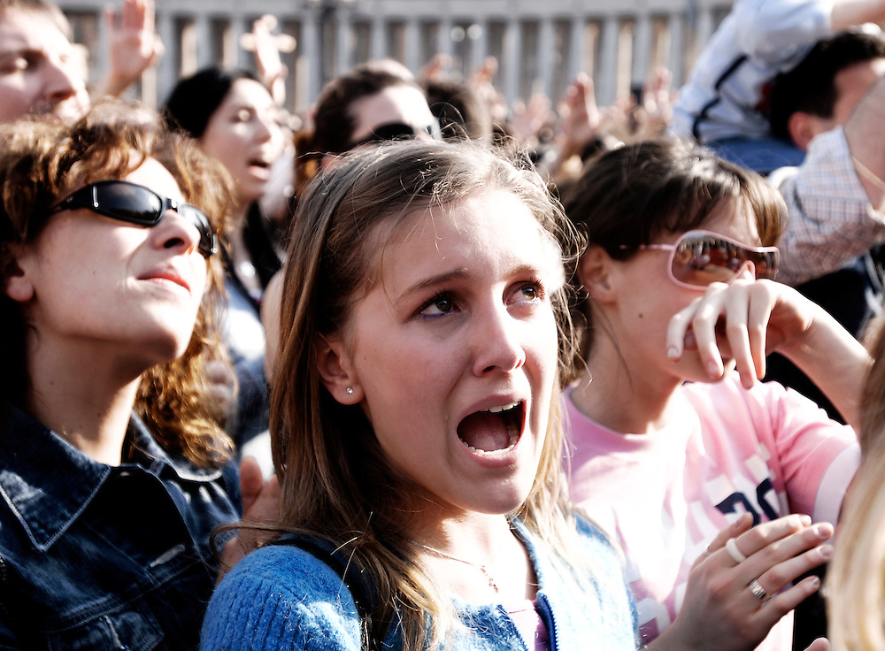 Vatican, 02 April 2005<br /> People pray for the Pope moments before he died.<br /> The Polish pontiff, John Paul II, who led the Roman Catholic Church for more than a quarter century died Saturday night at 21.37 in his Vatican apartment. Pope John Paul II died after suffering heart and kidney failure following two hospitalizations in as many months. John Paul was a robust 58 when the cardinals elected the cardinal from Krakow, the first non-Italian pope in 455 years. <br /> Photo: Ezequiel Scagnetti