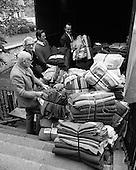 1971 Africa Concern Loading Baskets D815-616