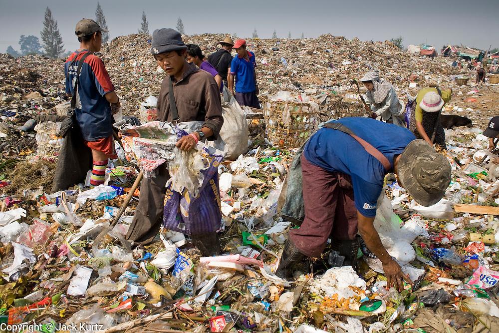 Burmese migrants live secret existence in Thailand   Jack ...