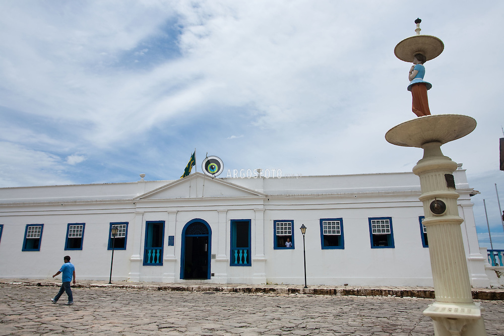 Goias Velho. O municipio foi reconhecido em 2001 pela UNESCO como sendo Patrimonio Historico e Cultural Mundial por sua arquitetura barroca peculiar, por suas tradicoes culturais seculares e pela natureza exuberante que a circunda. / Goias (also known as Goias Velho, Old Goias) is a small city and municipality in the state of Goias in Brazil. In 2002, it became a UNESCO World Heritage Site.