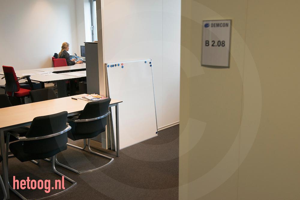 The Netherlands, Nederland Enschede 25june2015              Q-micro in de startup vleugel bij Demcon in Enschede. de bedrijven Clear Flight Solutions (CFS) 'QMicro' (vloeistofdynamica), '52 degrees North' een app ontwikkelaar en 'Bubclean' (ultra sonisch reinigen' hebben onderdak gevonden bij Demcon in Enschede. Demcon had ruimte over en heeft enkele startups onderdak geboden, waardoor kruisbestuiving kan ontstaan in de technieksector.