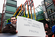 """2015-02-22 Romanians protest at Channel 4 HQ against """"Here come the Romanians"""" programme."""