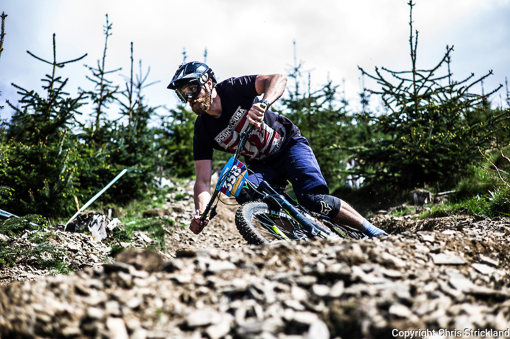 Glentress, Peebles, Tweed Valley, Scotland, UK. 22nd May 2016. Mountain bikers compete in the Shimano International Enduro during Tweedlove Bike Festival in the Scottish Borders.