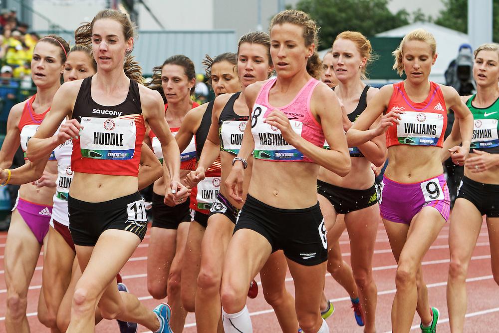 women's 5000 meter heat, Huddle, Hastings,