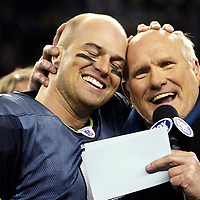 Former Pittsburgh Stealers quarterback Terry Bradshaw congratulates Seahawks quarterback  Matt Hasselbeck after the NFC championships.