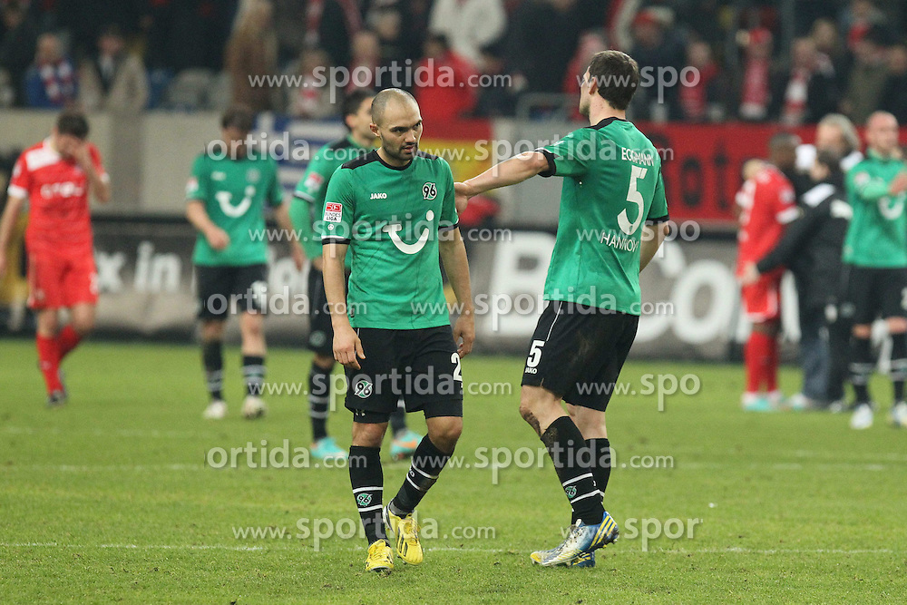15.12.2012, Esprit Arena, Duesseldorf, GER, 1. FBL, Fortuna Duesseldorf vs Hannover 96, 17. Runde, im Bild Enttaeuschte Hannoveraner mit Leon ANDREASEN (Hannover 96) und Mario EGGIMANN (Hannover 96) (re.) // during the German Bundesliga 17th round match between Fortuna Duesseldorf and Hannover 96 at the Esprit Arena, Duesseldorf, Germany on 2012/12/15. EXPA Pictures © 2012, PhotoCredit: EXPA/ Eibner/ Schueler..***** ATTENTION - OUT OF GER *****