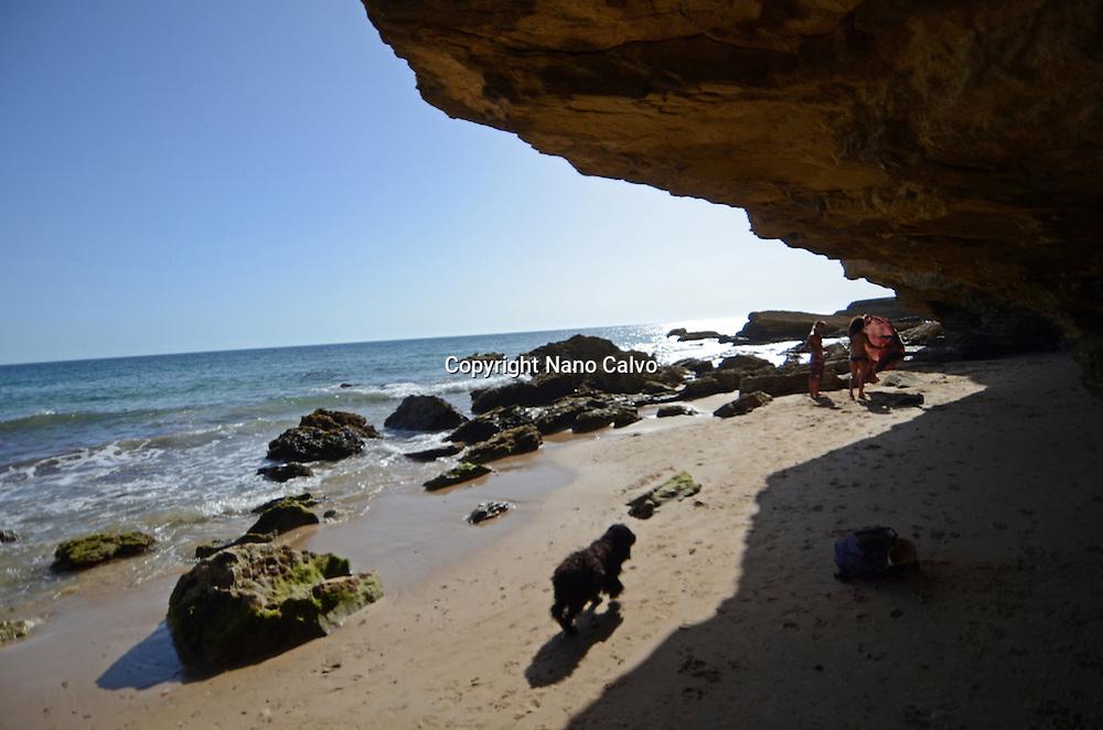 Water falls from the rock, Los Caños de Meca