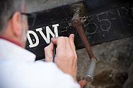 17/11/16 - AUTHEZAT - PUY DE DOME - FRANCE - Christophe JEAN peintre decorateur specialise dans la restauration et l habillage des vehicules anciens - Photo Jerome CHABANNE