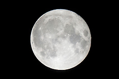 2016-11-14_Supermoon Over Sheffield