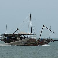 traditional fisherman and fishing boat in Hong Kong, China, Pacific Ocean&amp;#xD;&copy; KIKE CALVO - V&amp;W &amp;#xD;<br />