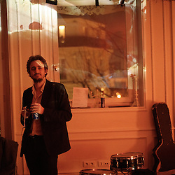 """Soiree de poche #7"" (pocket night #7): a concert happening in an appartment in Paris, boulevard Magenta near Gare de l'Est. Where playing: Jeremy Jay and The Walkmen. Organised by La Blogotheque.. .Feb. 2009, 11th / photo: Antoine Doyen"