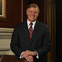 executive portrait, publicity portrait, corporate head-shot, business portrait