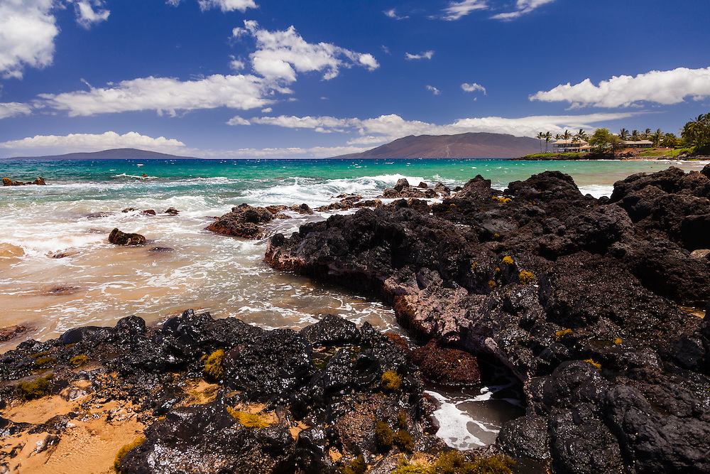 A beautiful day at Loves Beach (aka Paipu Beach, Pepeiaolepo Beach, Po'olenalena Beach, Keauhou Beach) looking towards Lana'i and West Maui behind Makena Surf.