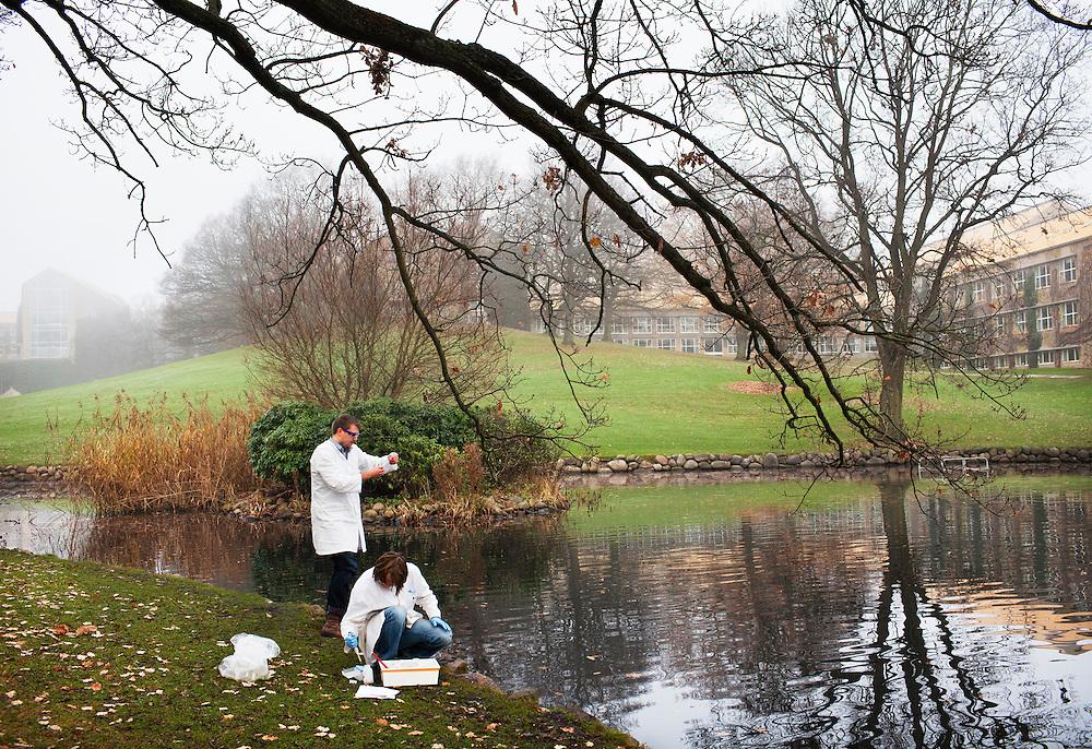 Campus, Århus Universitet, Danmark. Fr v Torsten Lykke Sørensen och Tim Pedersen som studerar Molekylärbiologi.