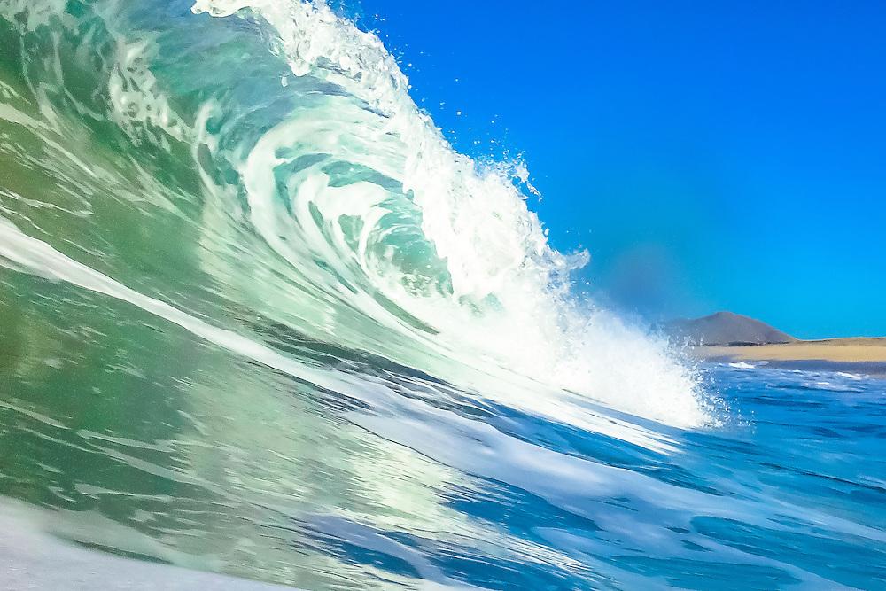 Surf breaks on Playa de Cerritos in Baja sur, Mexico