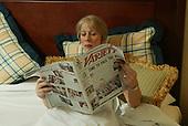 12/12/2003 - GI - Helen Mirren in Bed
