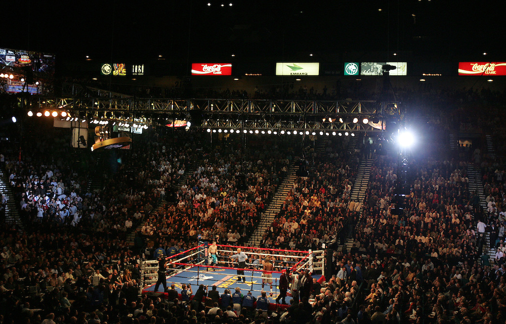 The fighters get ready for round one. Ricky Hatton v Floyd Mayweather, Las Vegas, Nevada.