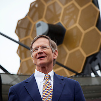 Lamar Smith visits the full scale model of JWST at SXSW