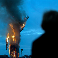 UK, Margate. The completion and burning of Antony Gormley's Waste Man as part of the Exodus Festival and 'Exodus Day' film in Margate in Kent. 'Exodus Day' is a film commissioned and produced by Art Angle and written and directed by Penny Woolcock..Photo shows the burning of the Waste Man..Photo©Steve Forrest/Workers Photos