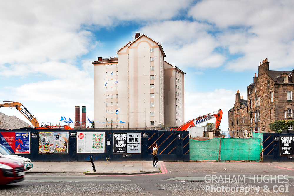Yes Scotland and Scottish Saltire Flags Fly From High Rise Building On Leith Walk, Edinburgh, Scotland