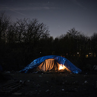 An isolated tent in the darkness. Grande Synthe, France. FEDERICO SCOPPA/CAPTA