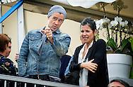 AMSTERDAM - Colin Farrell with his sister Claudine Farrell , Irish actor attends the world homeless soccer worldcup in Amsterdam . COPYRIGHT ROBIN UTRECHT<br /> AMSTERDAM - Colin Farrell en zijn zus Claudine Farrell , Ierse acteur is supporter van het Ierse team  tijens het daklozen WK voetbal in Amsterdam Koning Willem-Alexander sprong zaterdag op het WK daklozenvoetbal in Amsterdam in het oog met een wereldgoal, maar hij werd 'overschaduwd' door een wereldster.<br />  Acteur Colin Farrell is naar onze hoofdstad getogen om het Ierse team aan te moedigen op het wereldkampioenschap voetbal voor dak- en thuislozen op het Museumplein. Farrell, geboren en getogen in Dublin, is ambassadeur van het toernooi. De Phone Booth-en Minority Report-acteur komt uit een familie van voetballers: zijn vader en zijn oom kwamen uit voor een Ierse profclub. Hij werkte ook mee als verteller aan een documentaire over zes dakloze voetballers: Kicking it. Colin nam de tijd om met de aanvoerder te praten en ging op de foto met fans. Zijn aanmoediging leidde niet tot een overwinning: het Ierse team werd zaterdagmiddag door Nederland ingemaakt, met 7 - 2.. COPYRIGHT ROBIN UTRECHT