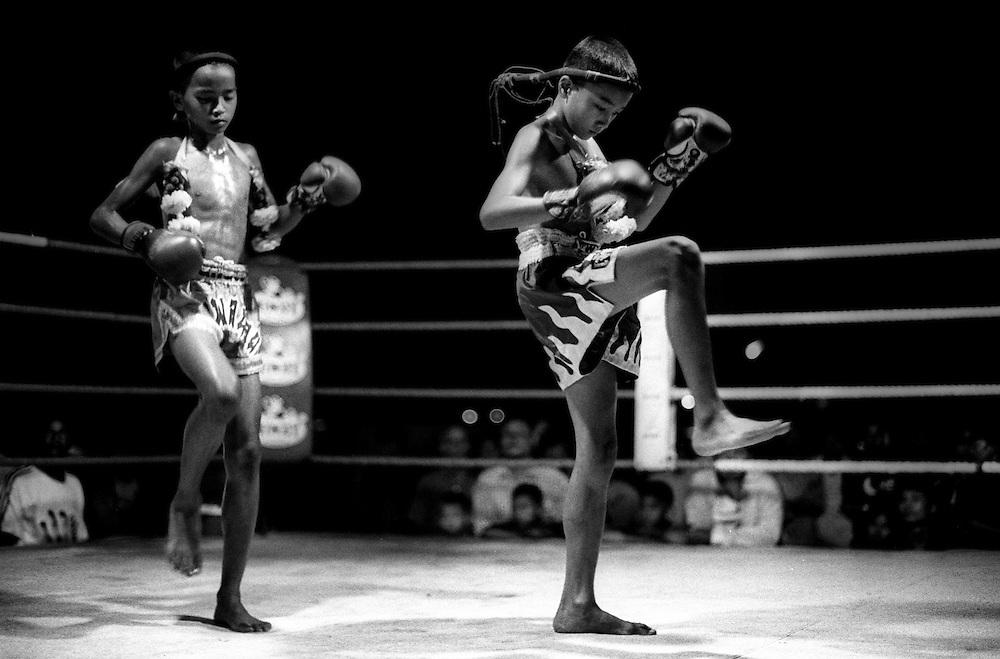 Ceremony plays a part at Muay Thai tournaments at Lumpini Stadium. Muay Thai/Thai Boxing Bangkok Thailand.March 2003.©David Dare Parker /AsiaWorks Photography