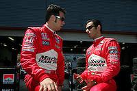 Helio Castroneves, Sam Hornish Jr., Indy Japan 300, Twin Ring Motegi, Motegi, Japan, 4/22/2006
