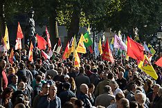 2015-10-11 Kurds and Turks protest in London following Ankara bombings.
