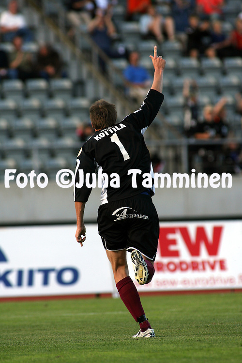29.06.2006, Urheilukeskus, Lahti, Finland..Veikkausliiga 2006 - Finnish League 2006.FC Lahti - FF Jaro.Numero 1 Mika Kottila (FC Lahti) tuulettaa.©Juha Tamminen....ARK:k