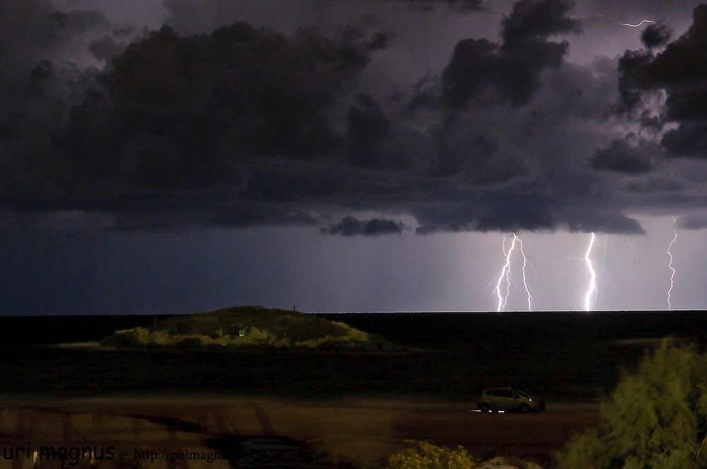 the first storm of the winter in maagan michael, preformed lighting with no rain for 2 hours<br /> above the islands.